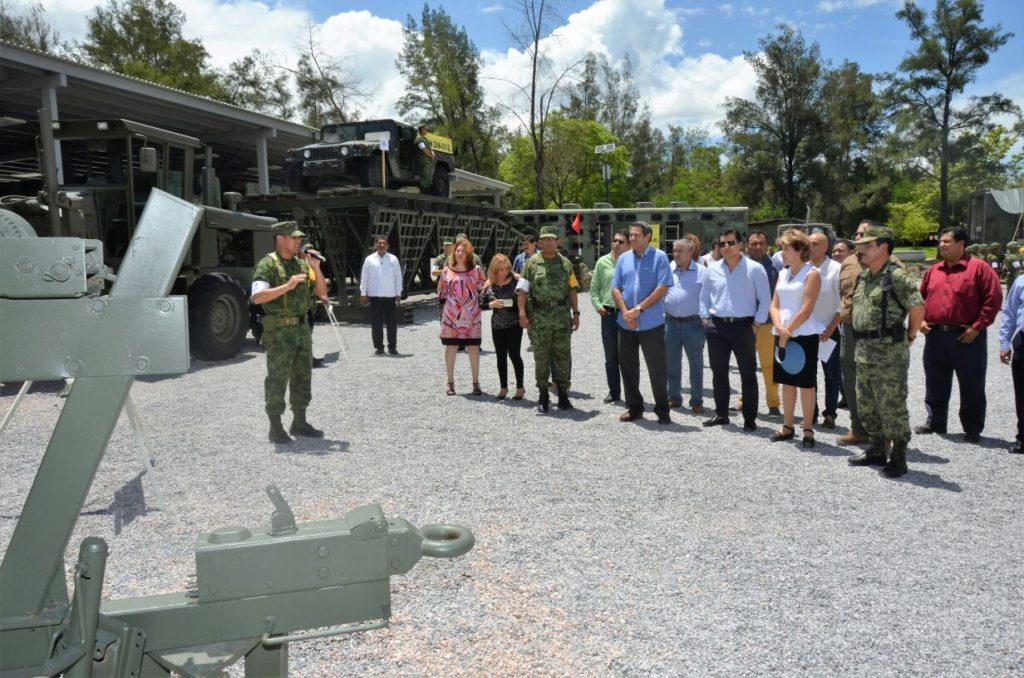 Visita Mercedes Calvo sexto batallón de ingenieros en combate