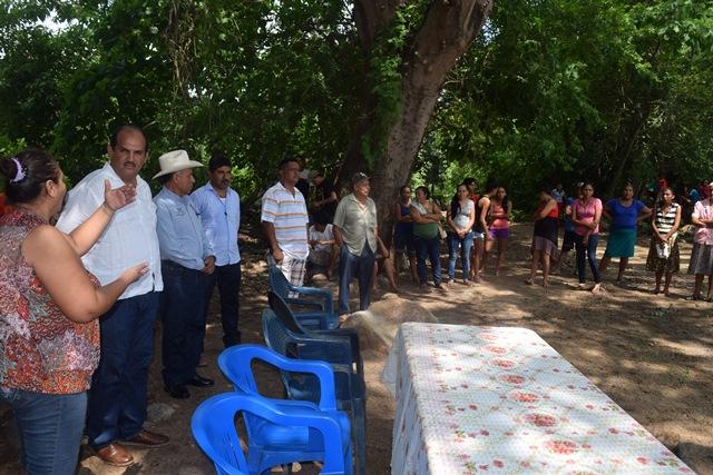Inician trabajos de topografías para la pavimentación del tramo Petatlán- la Molonga.