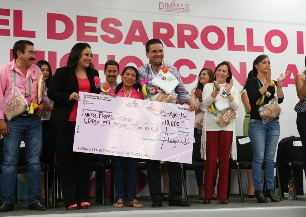 Anuncia Gobernador Programa Integral de apoyo para las mujeres