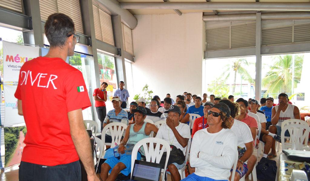 Imparten curso sobre el uso del Snorkel en playas de Ixtapa y Zihuatanejo