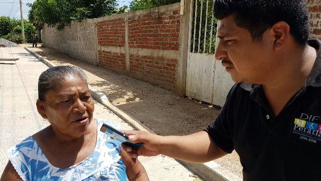 Supervisa Gobierno municipal obra en la colonia el ojalito en Petatlán.