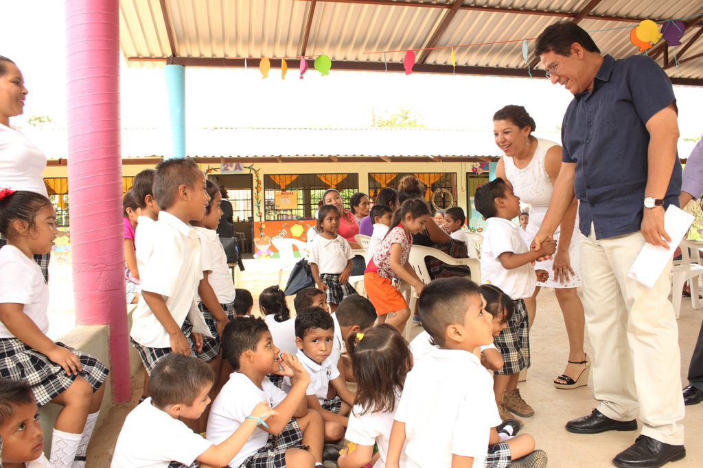 Gobierno municipal apoyará construcción de comedor en Jardín de Niños de El Coacoyul