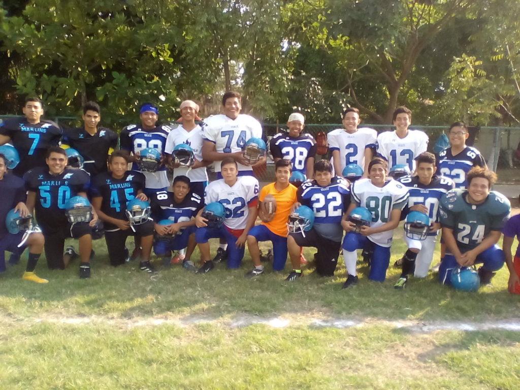 Los Marlins de Zihuatanejo buscan abrirse espacio en el futbol americano en Zihuatanejo