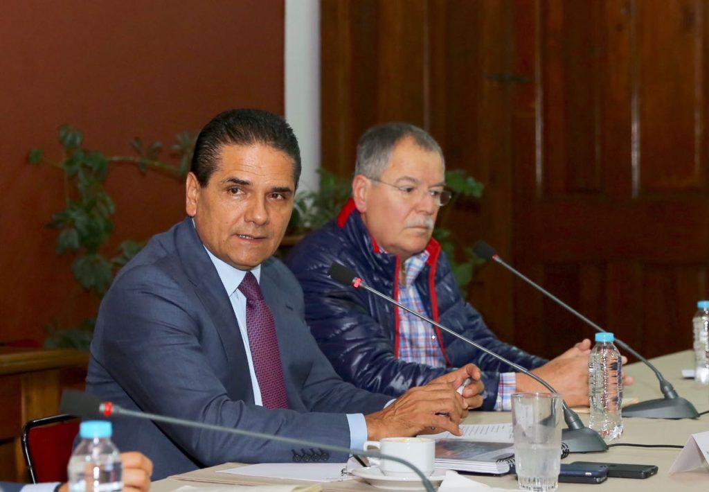 Acuerda Gobernador acciones para salvaguardar corridas de autobuses en Michoacán