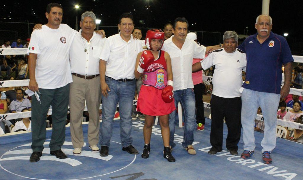 Buen futuro se vislumbra para la boxeadora azuetence Filadelfia Olivan