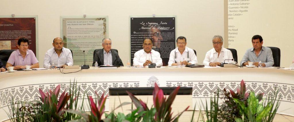 Alista gobernador Astudillo acciones para beneficiar el desarrollo de Guerrero ante el alza en gasolinas