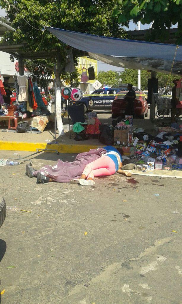 Civiles armados disparan contra comerciantes y asesinan a seis personas, dos mas resultaron heridos