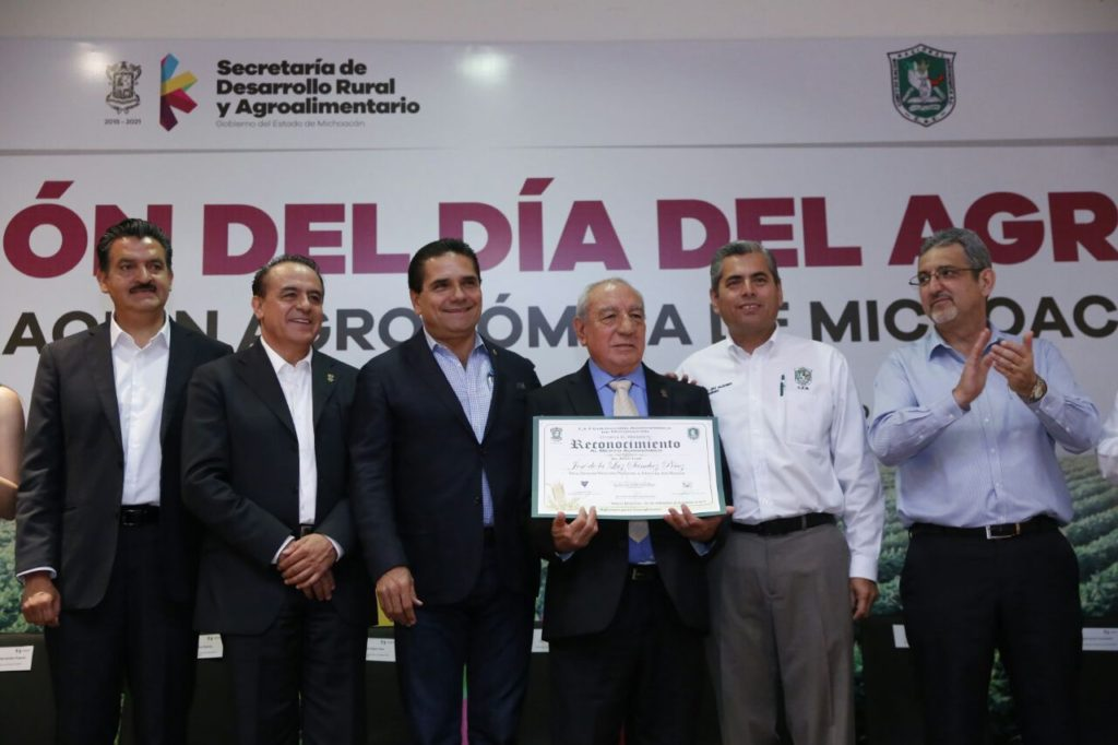 Pide Silvano Aureoles a agrónomos construir propuesta ante replanteamiento del TLCAN