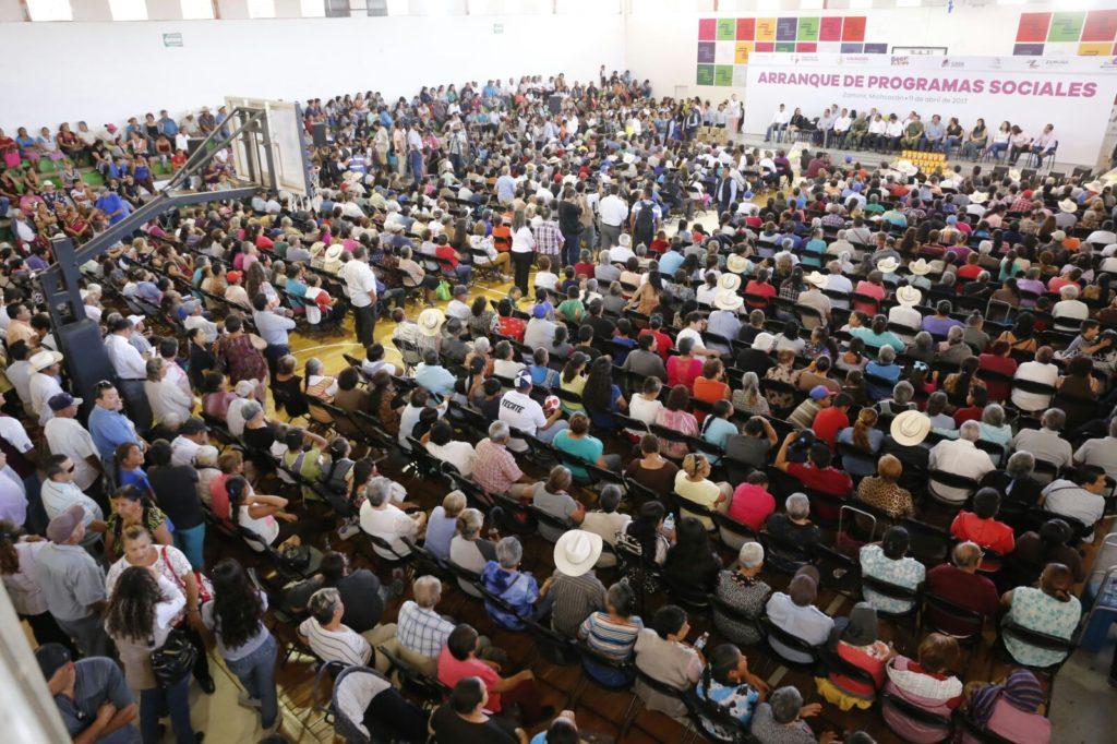 Arranca Silvano Aureoles programas sociales por casi 600 mdp para las y los michoacanos