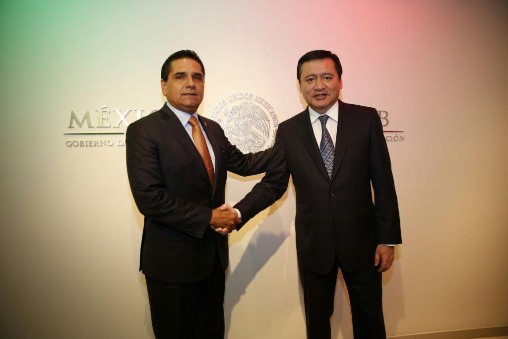 Revisan Silvano Aureoles y Miguel Ángel Osorio avances de seguridad en Michoacán