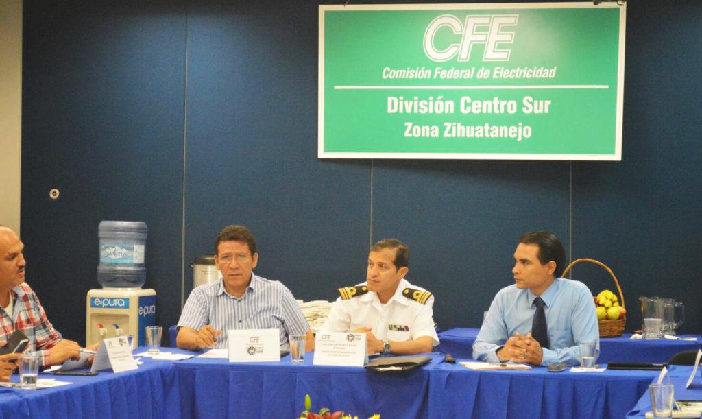 Alcalde Gustavo García Bello asiste a Informe de Resultados del Primer Cuatrimestre 2017 de CFE Zona Zihuatanejo