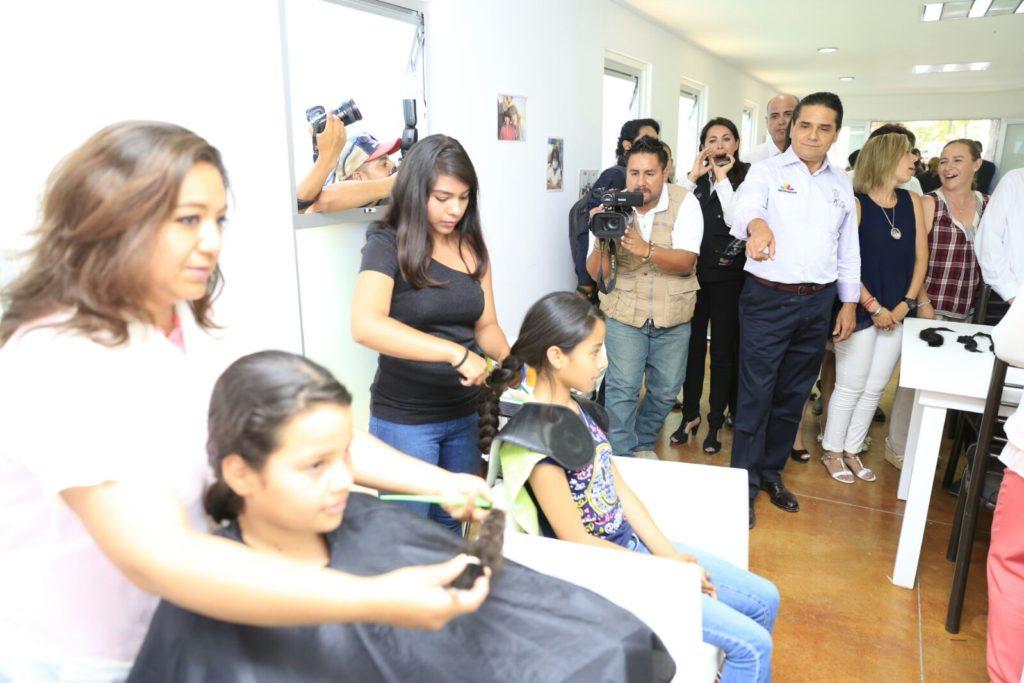 Con dedicación y empeño, mejoramos la salud en Michoacán: Silvano Aureoles