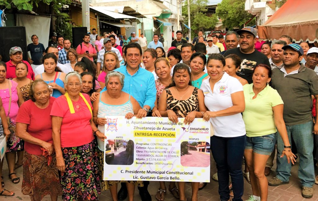 Alcalde Gustavo García Bello nos entregó obra histórica de pavimentación, afirman vecinos de Agua de Correa