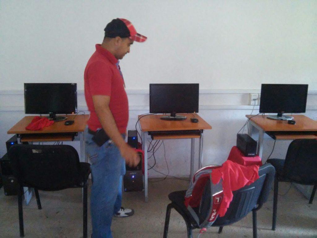 El gobierno municipal de Petatlán apoya al Centro Comunitario de Aprendizaje (CCA).