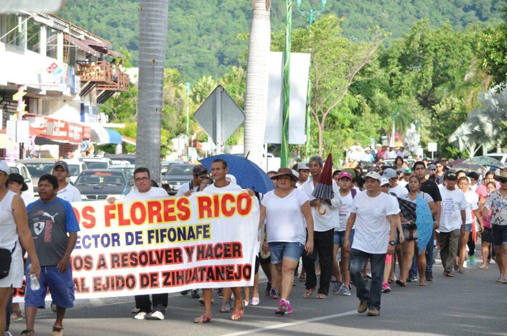 Resultado de imagen para fotos protestas ejidatarios en ixtapa