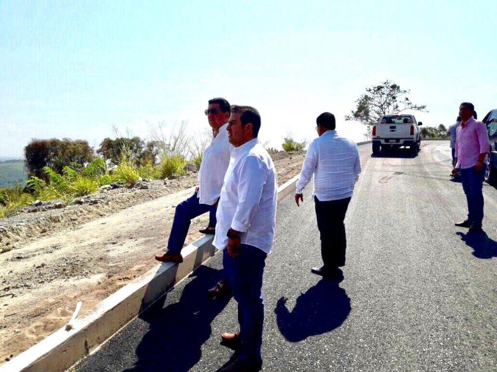 Acompaña JSA a Alejandro Bravo y a Secretario de Turismo a supervision de obra en Riscalillo