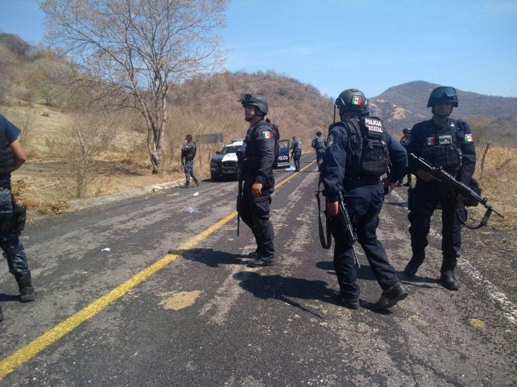 Atacan delincuentes a elementos de la gendarmeria, hay dos heridos