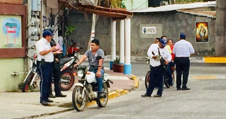 En coordinación con el ejercito y policía estatal, tránsito reactivó operativos contra motociclistas