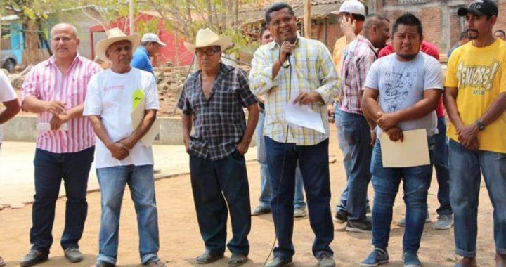 Llega el programa «un día en tu comunidad» a Santa Cruz del Río encabezado por el presidente municipal de Coyuca de Benítez