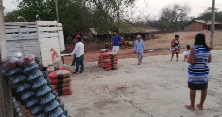 Gobierno de La Unión entrega lámina y cemento en apoyo a la vivienda de habitantes de varias comunidades