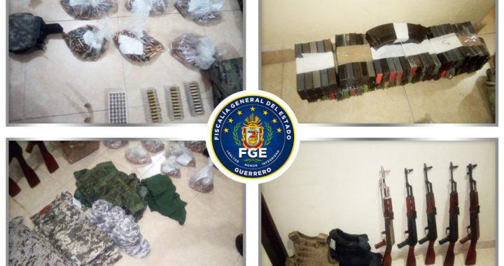 Fiscalía de Guerrero y Secretaría de Seguridad Pública Estatal aseguran armamento y equipo táctico en Chilapa de Álvarez.