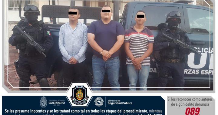 Aseguran Policías Estatales en Zumpango a cuatro masculinos por portación de armas de fuego, cartuchos útiles, equipo táctico y probable marihuana