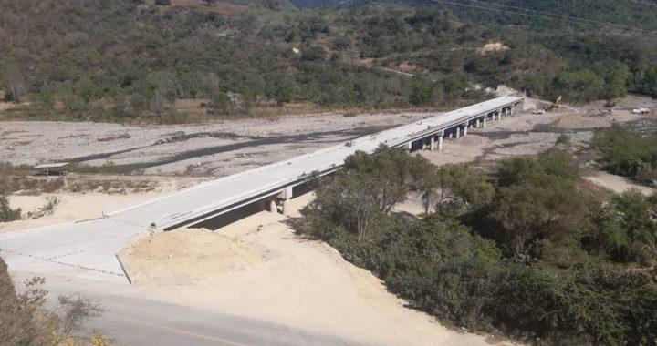AFINAN DETALLES DE LOS TRABAJOS DE CONSTRUCCIÓN DEL PUENTE EL ITACUÁN EN ALCOZAUCA