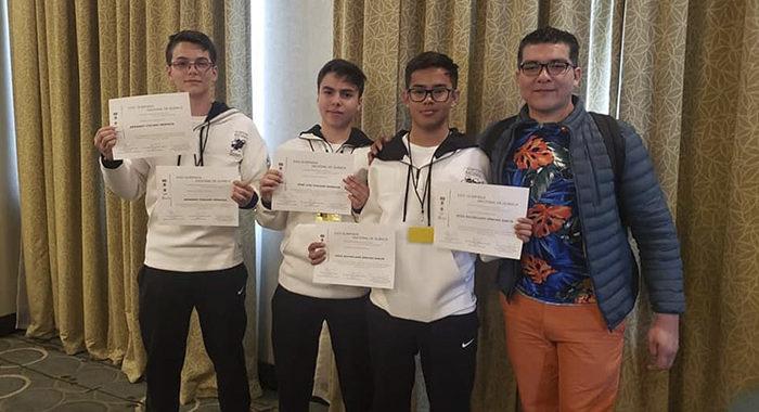 Alumnos michoacanos ganan 3 oros en Química y competirán para ir a Turquía
