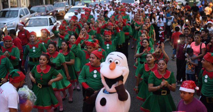 Caravana Navideña del Ayuntamiento cautivó a miles de personas en Zihuatanejo