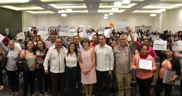 ENTREGA EL DIF GUERRERO APOYOS A ESCUELAS DE TIEMPO COMPLETO EN LA REGIÓN CENTRO