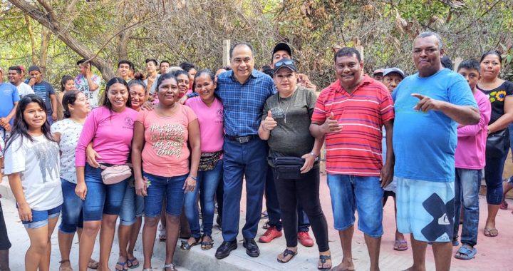 RECORRE EL GOBERNADOR Y SE REÚNE CON BENEFICIARIOS DE LA OBRA QUE UNIRÁ PUERTO MARQUÉS-REVOLCADERO EN ACAPULCO