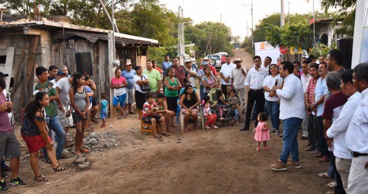 Presidente Jorge Sánchez Allec inaugura obra de electrificación en colonia Ampliación Obrera II San José Ixtapa