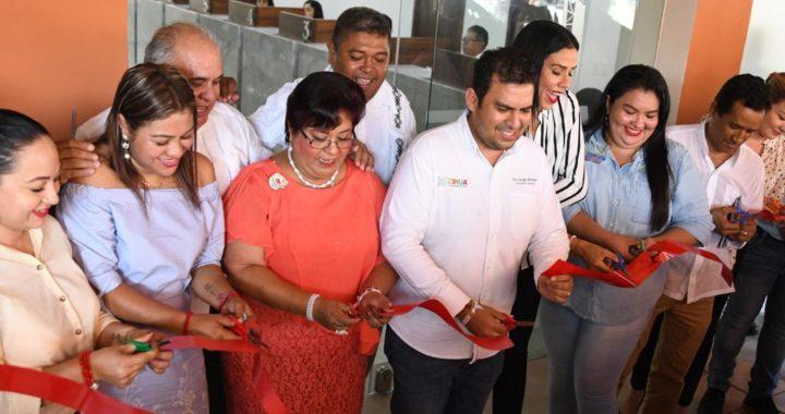Alcalde Jorge Sánchez Allec inaugura área de Ingresos remodelada del palacio municipal