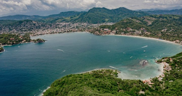 Gobierno de Zihuatanejo ofrece playas limpias a vacacionistas
