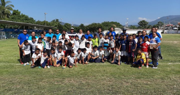 Realizan torneo deportivo selectivo en la zona 63 de Educación Física en Tecpan