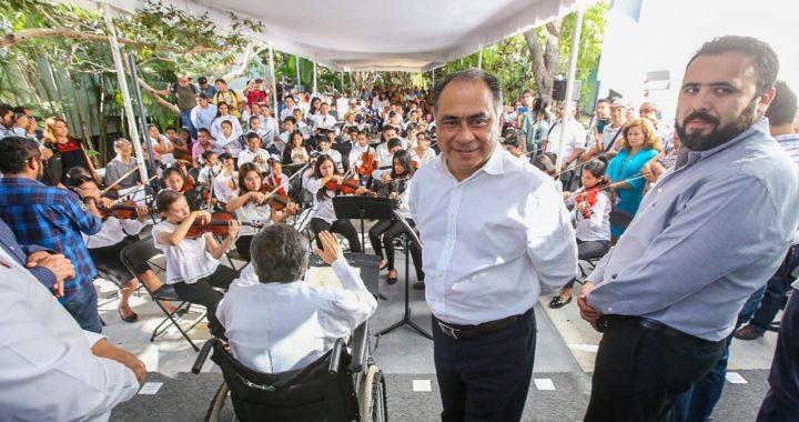 INAUGURA EL GOBERNADOR HÉCTOR ASTUDILLO ESCUELA DE MÚSICA PARA EL CORO COMUNITARIO DE CHILPANCINGO