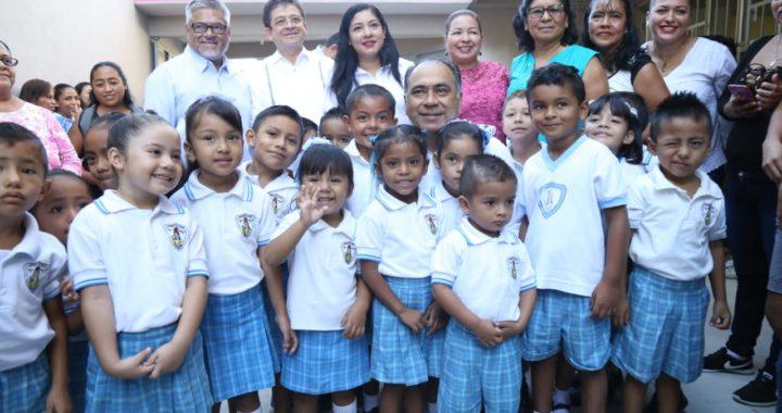 ENTREGA EL GOBERNADOR HÉCTOR ASTUDILLO DOS ESCUELAS MÁS EN ACAPULCO; SE INVIERTEN 21.5 MDP