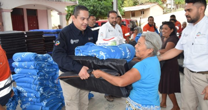 SE CONTINÚA BRINDANDO AYUDA A TRAVÉS DE PROTECCIÓN CIVIL A FAMILIAS AFECTADAS POR BAJAS TEMPERATURAS