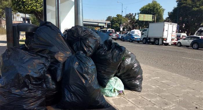 Por ahorrarse unos pesos dejan basura en la calle; hoy cada vez son más los tiraderos ilegales en Morelia