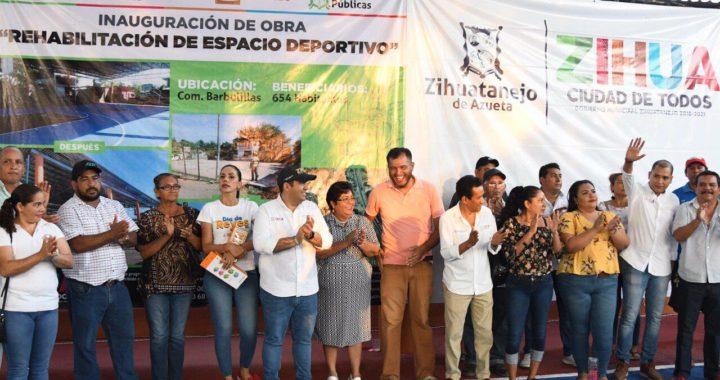 Barbulillas recibe espacio deportivo rehabilitado por parte del presidente Jorge Sánchez