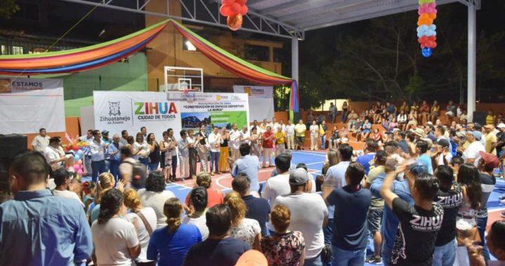 La Noria, de fiesta con alcalde Jorge Sánchez Allec por rehabilitación de cancha
