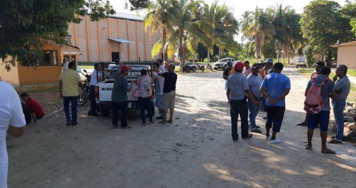 Paran labores trabajadores de Agroindustrias del Sur en San Jerónimo; exigen el pago de su aguinaldo
