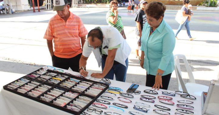 REALIZA EL GOBIERNO MUNICIPAL DE PETATLÁN Y DIF MUNICIPAL CAMPAÑA DE SALUD VISUAL 2020.