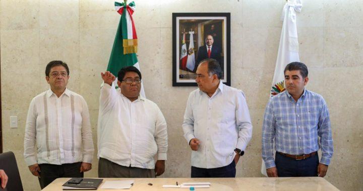 TOMÓ PROTESTA EL GOBERNADOR A JUAN FERMÍN ZÚÑIGA COMO NUEVO DIRECTOR DEL INSTITUTO TECNOLÓGICO SUPERIOR DE LA COSTA CHICA