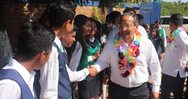 Visita el director general del Cobach el centro educativo de San Luis de la Loma