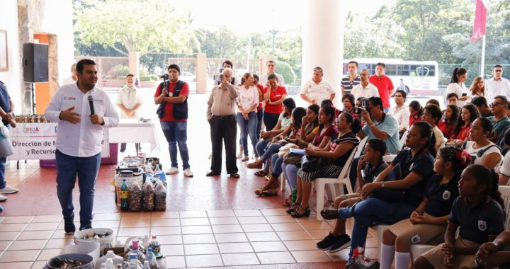 Gobierno de Zihuatanejo promueve acciones por un planeta menos contaminado