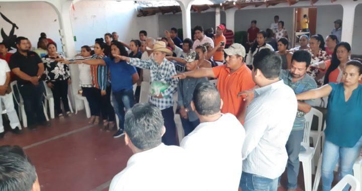 Rinden protesta delegados de las principales colonias de Tecpan