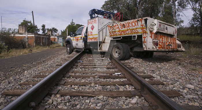 Industriales reportan pérdidas de 50 mdp por bloqueos a las vías del tren en Michoacán