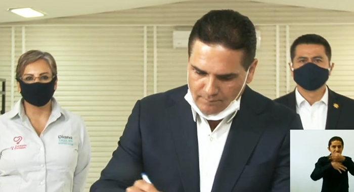 A partir de hoy se inicia el aislamiento obligatorio en Michoacán; Silvano firma decreto