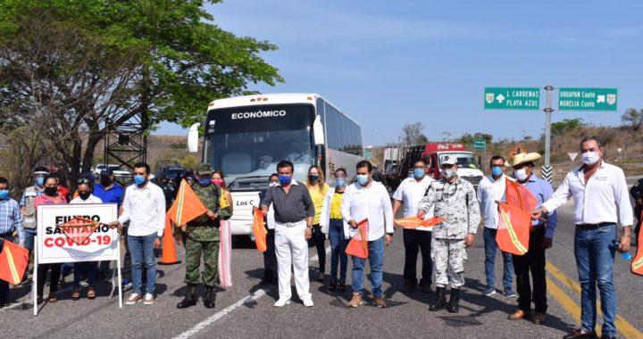 Se instala filtro sanitario en la carretera federal Zihuatanejo; en los límites con La Unión